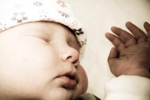 Dochter Leela Catharina slapen