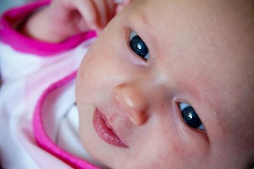 Dochter Leela Catharina blauwe ogen