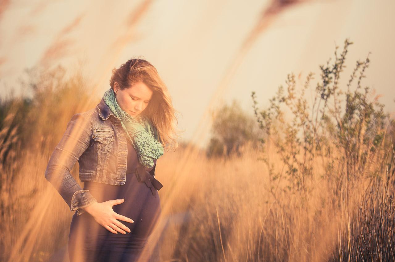 Zwangerschap fotografie Veendam Groningen op locatie