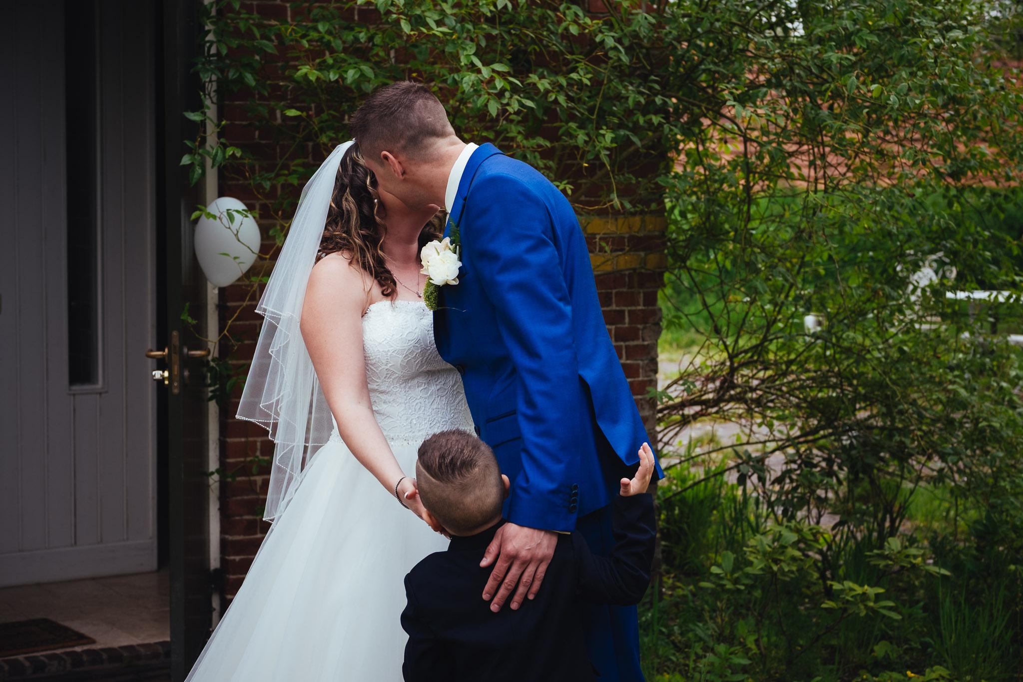 bruiloft op landgoed westerlee in groningen met dilek en tim eerste blik