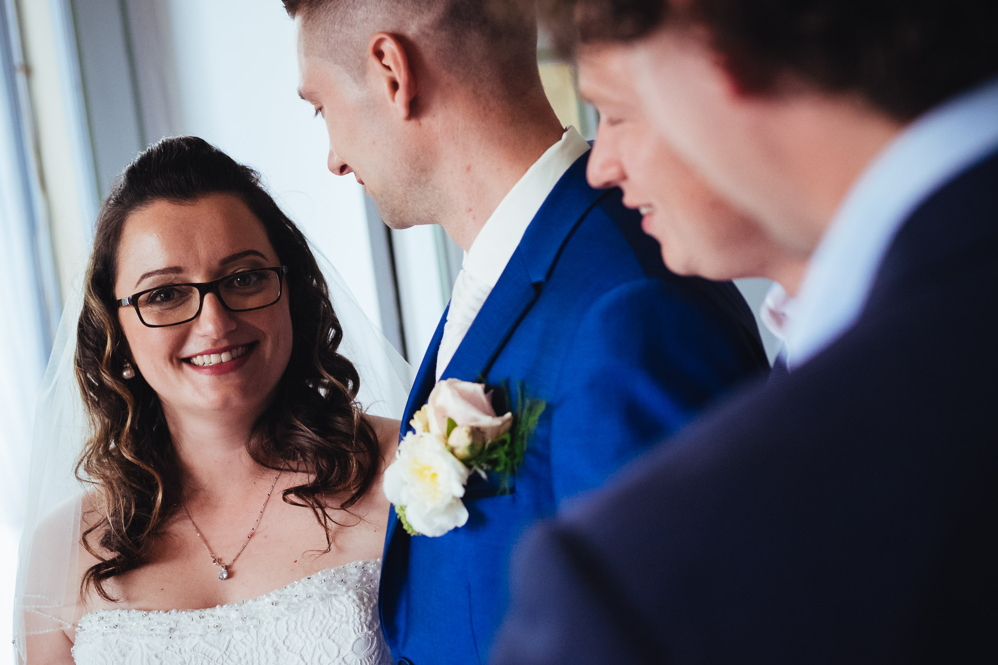 bruiloft op landgoed westerlee in groningen met dilek en tim groepsportret