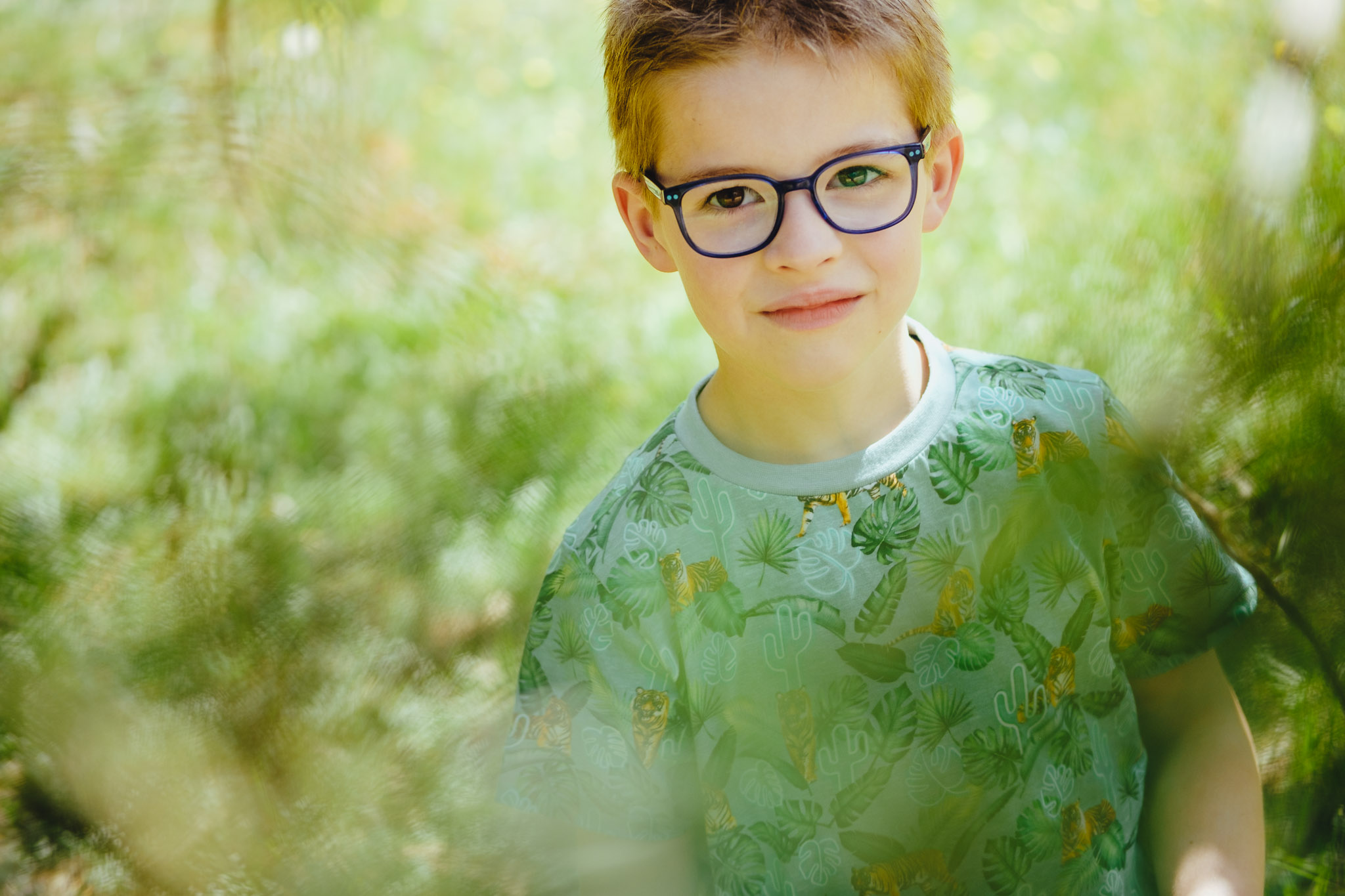 leuk spontaan portret jongen